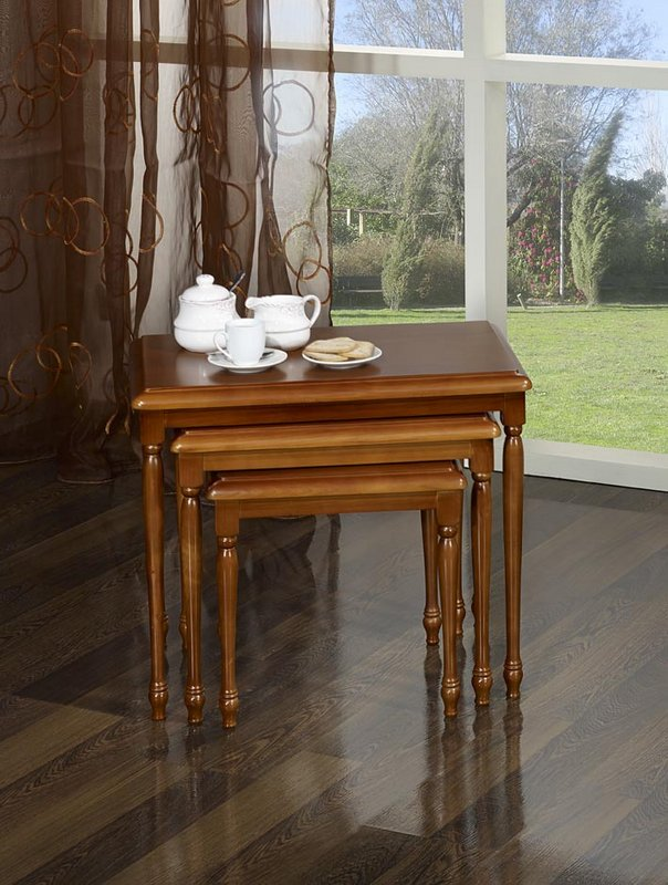 table gigognes en merisier massif de style louis philippe meuble en merisier massif. Black Bedroom Furniture Sets. Home Design Ideas