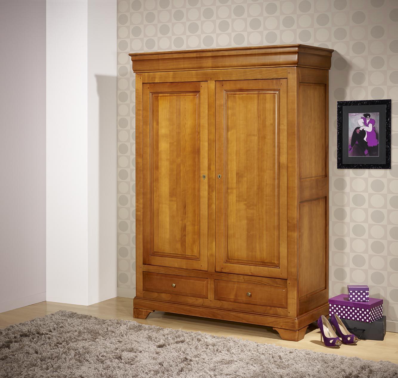 Petite armoire 2 portes 2 tiroirs in s en merisier massif for Petite porte bois