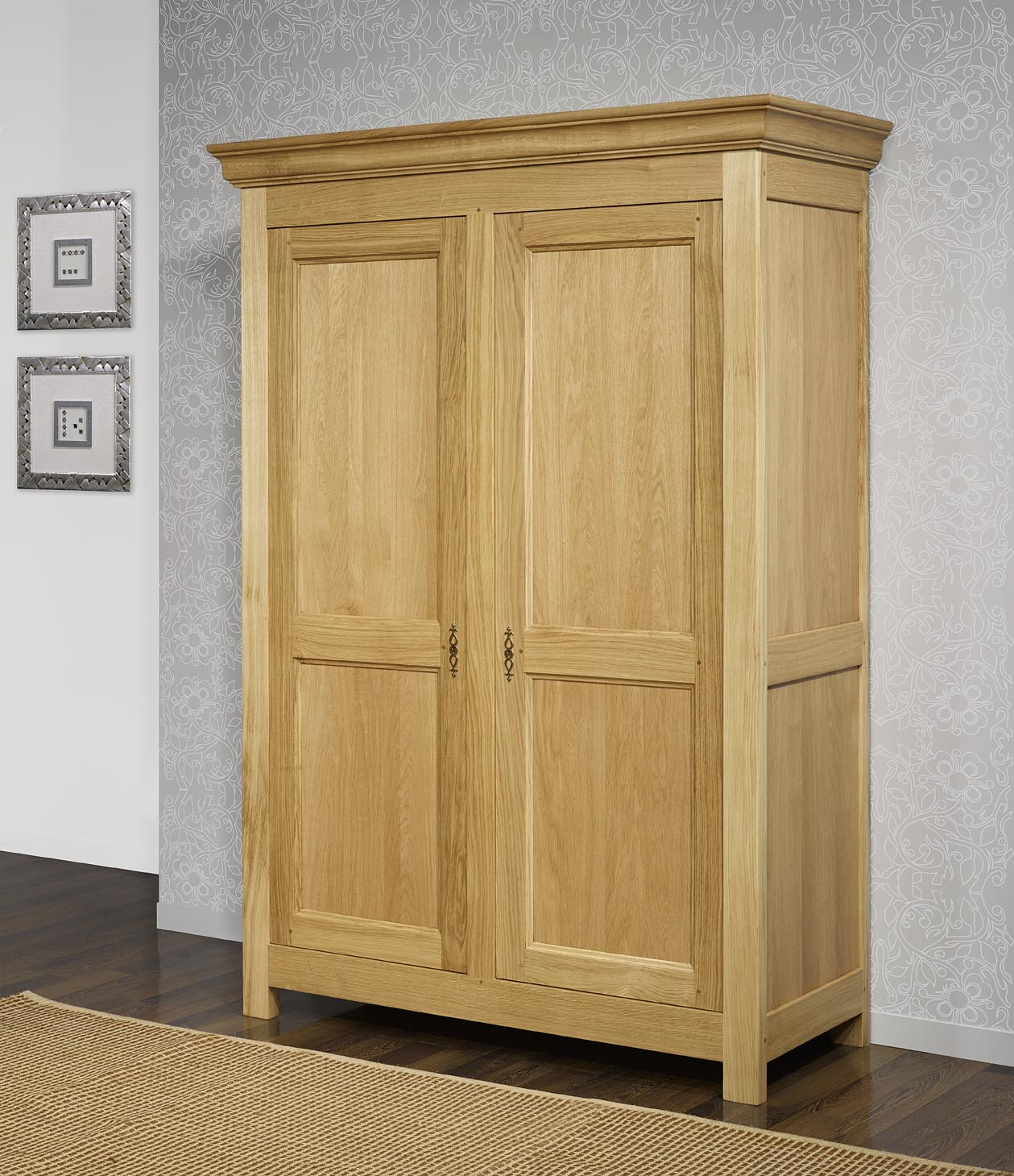 armoire 2 portes en ch ne massif de style campagnard meuble en ch ne massif. Black Bedroom Furniture Sets. Home Design Ideas