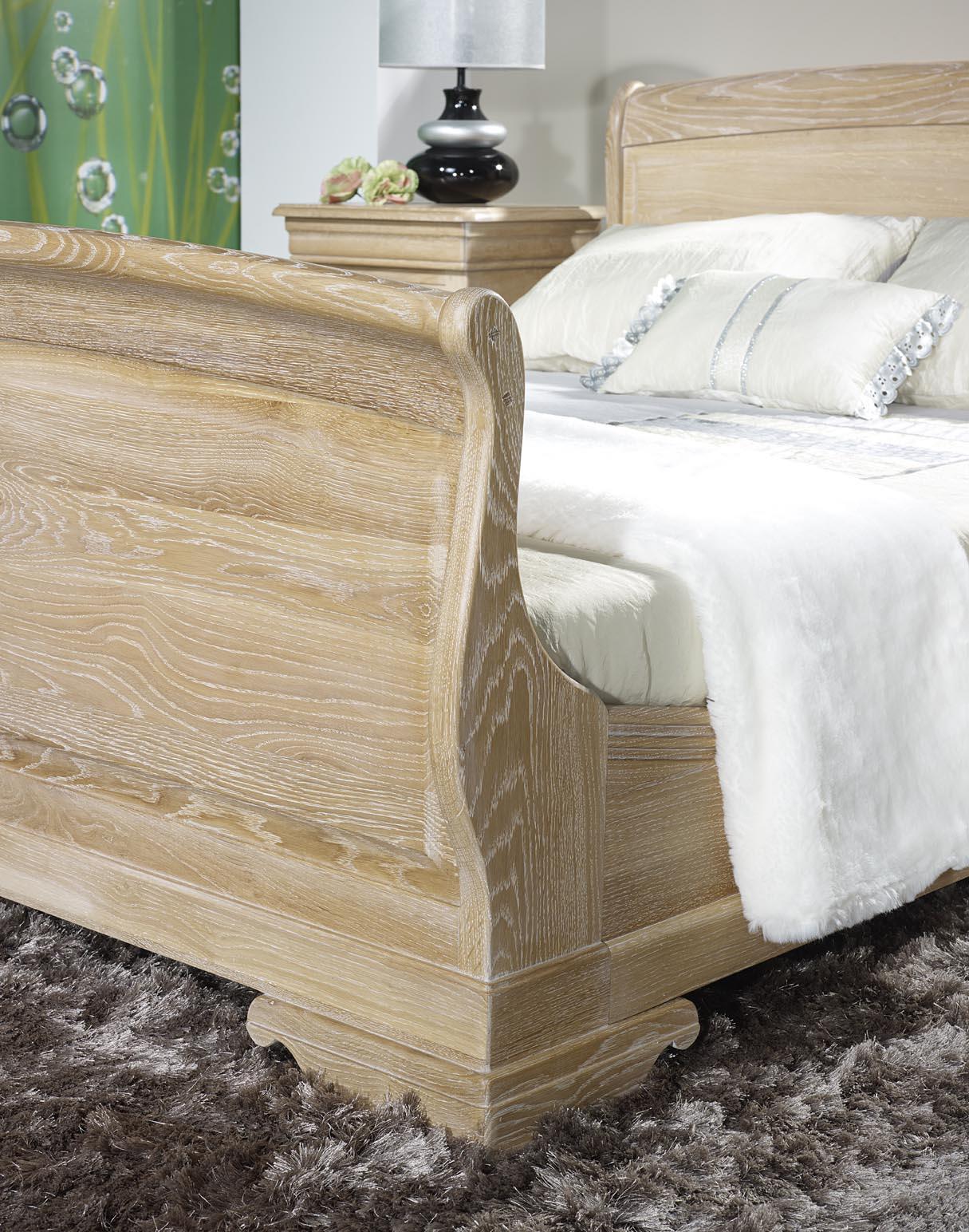lit hugo 160x200 en ch ne massif de style louis philippe. Black Bedroom Furniture Sets. Home Design Ideas