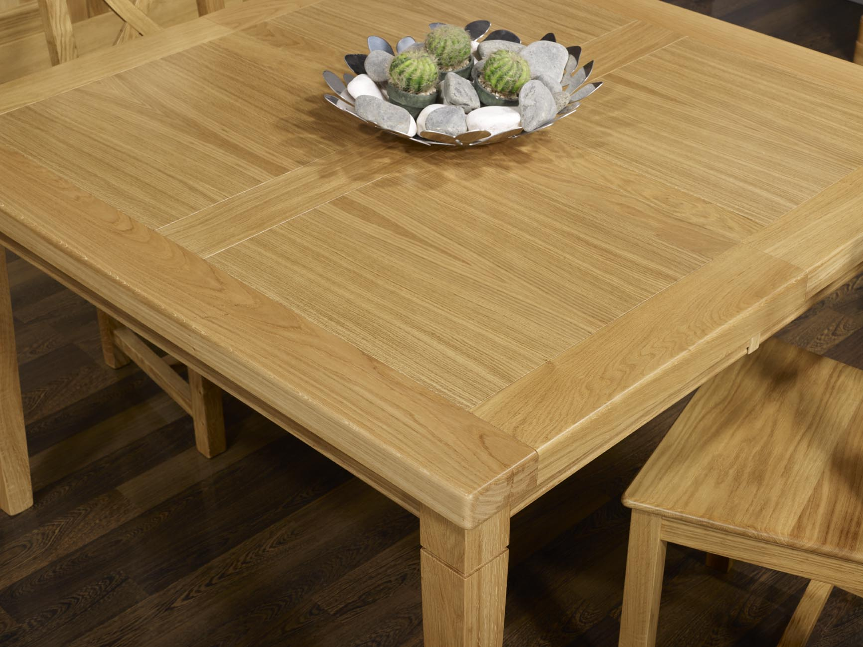 Table de repas carr e en ch ne massif 150x150 meuble en for Table carree en chene