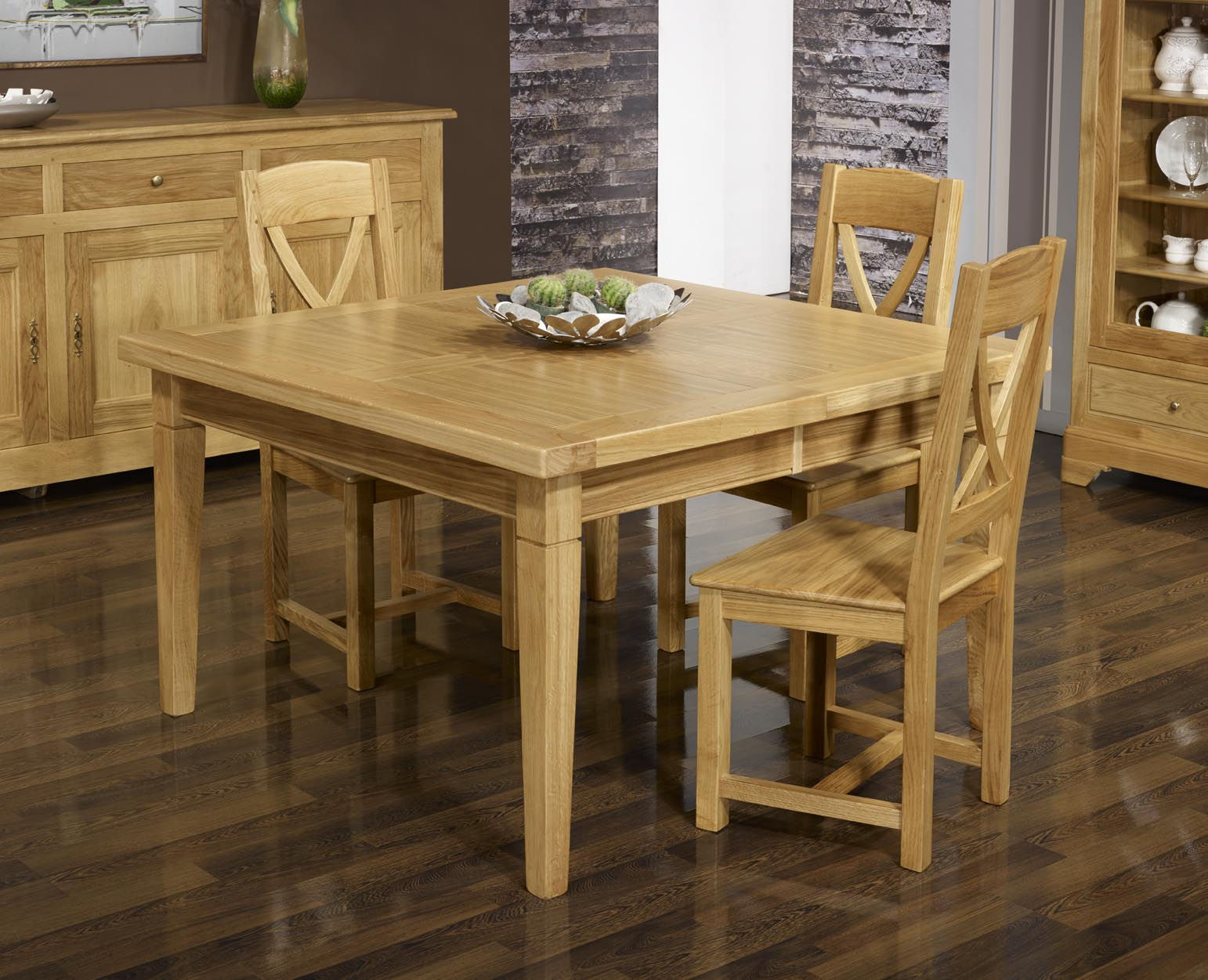 table de repas carr e en ch ne massif 150x150 meuble en ch ne massif. Black Bedroom Furniture Sets. Home Design Ideas