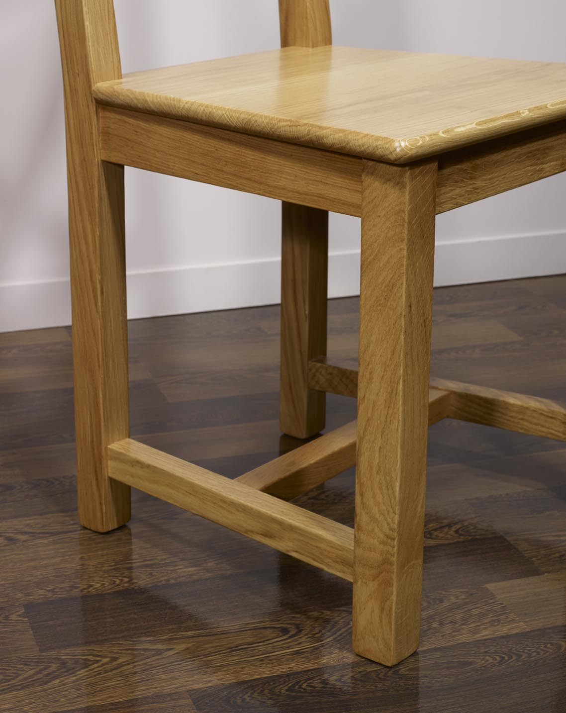 Chaise olivier en ch ne massif de style campagne assise ch ne meuble en ch ne massif for Meuble chambre style campagne