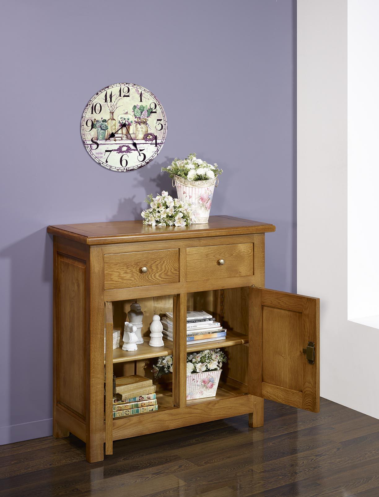 petit buffet 2 portes 2 tiroirs en ch ne massif de style campagnard meuble en ch ne massif. Black Bedroom Furniture Sets. Home Design Ideas