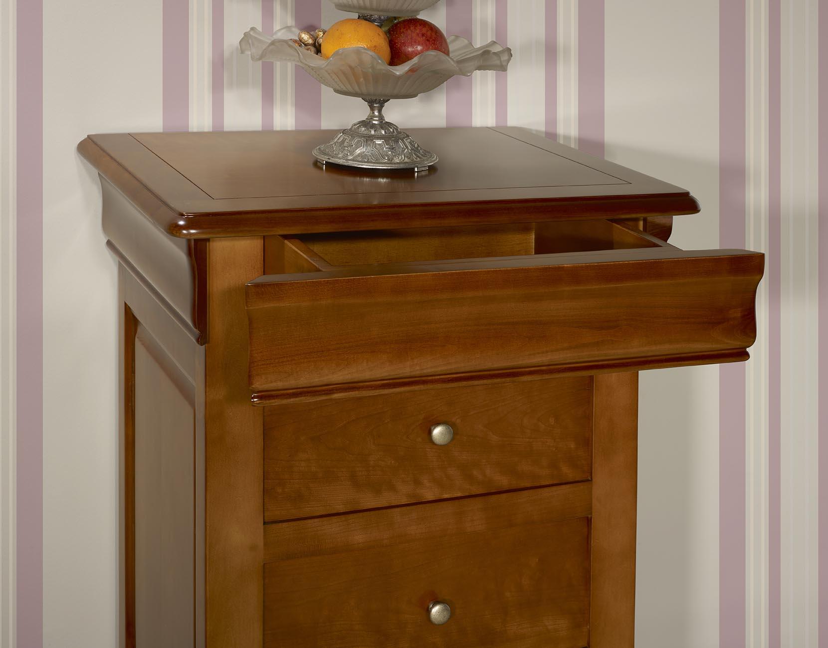 chiffonnier 4 tiroirs en merisier massif de style louis philippe meuble en merisier massif. Black Bedroom Furniture Sets. Home Design Ideas
