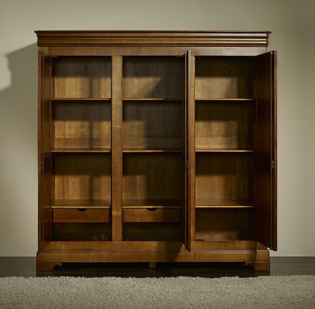armoire 3 portes en merisier massif de style louis philippe meuble en merisier massif. Black Bedroom Furniture Sets. Home Design Ideas