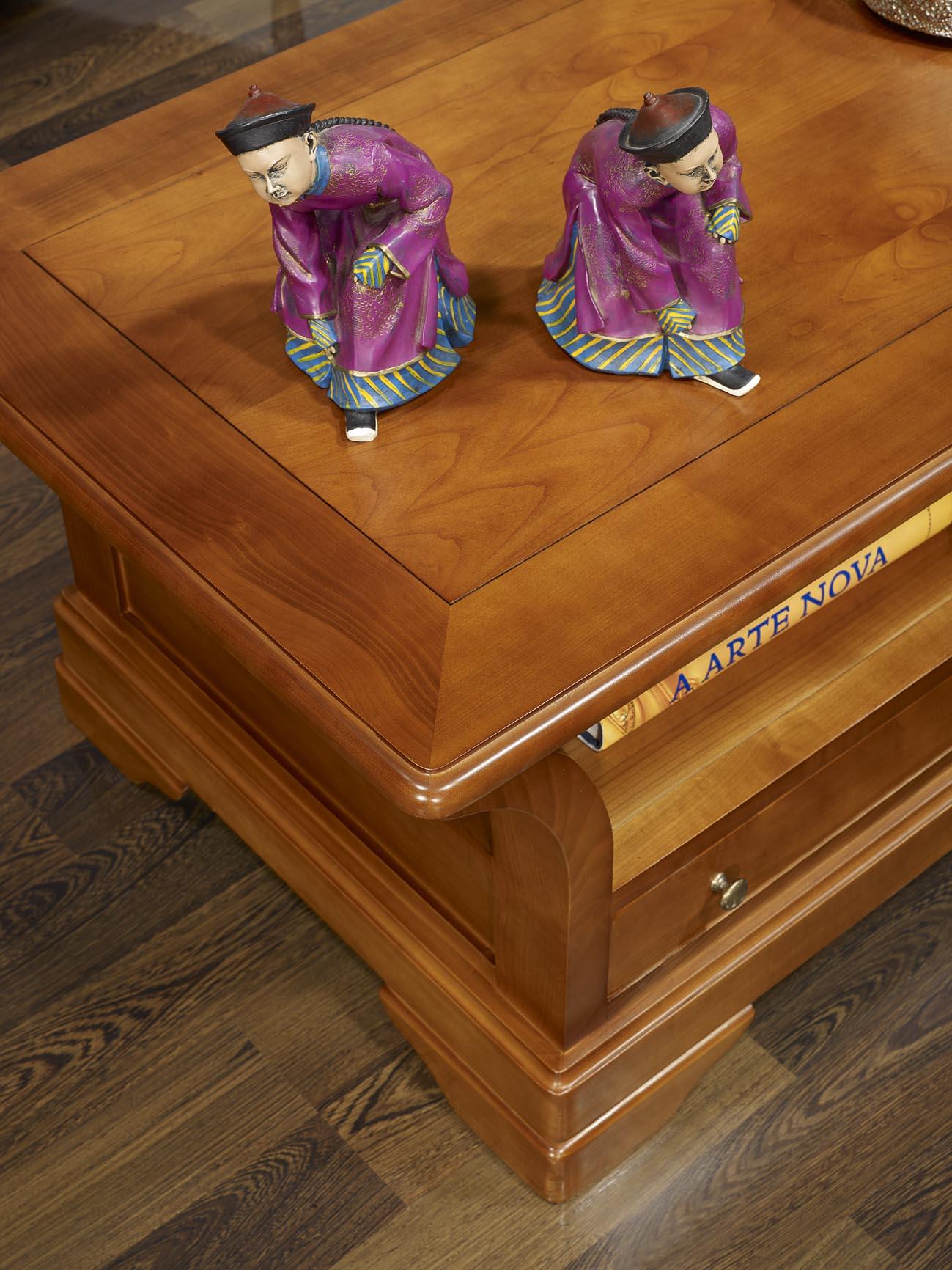 interesting table basse constance en merisier massif de style louis philippe plateau bois ucbrue. Black Bedroom Furniture Sets. Home Design Ideas