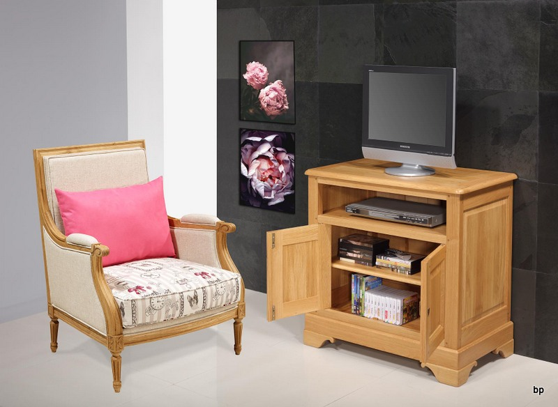 meuble tv pierre louis en ch ne massif de style louis philippe meuble en ch ne massif. Black Bedroom Furniture Sets. Home Design Ideas