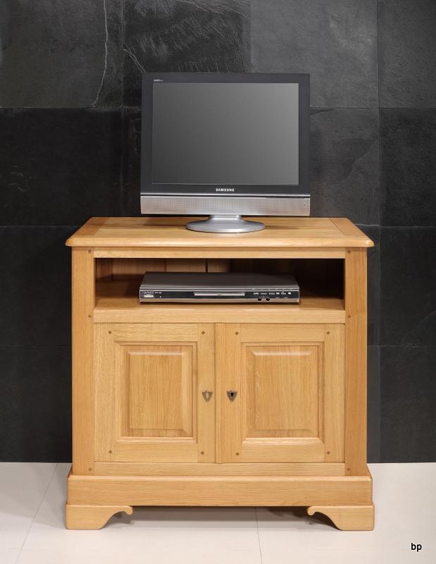 meuble tv pierre louis en ch ne massif de style louis philippe meuble en ch ne massif. Black Bedroom Furniture Sets. Home Design Ideas