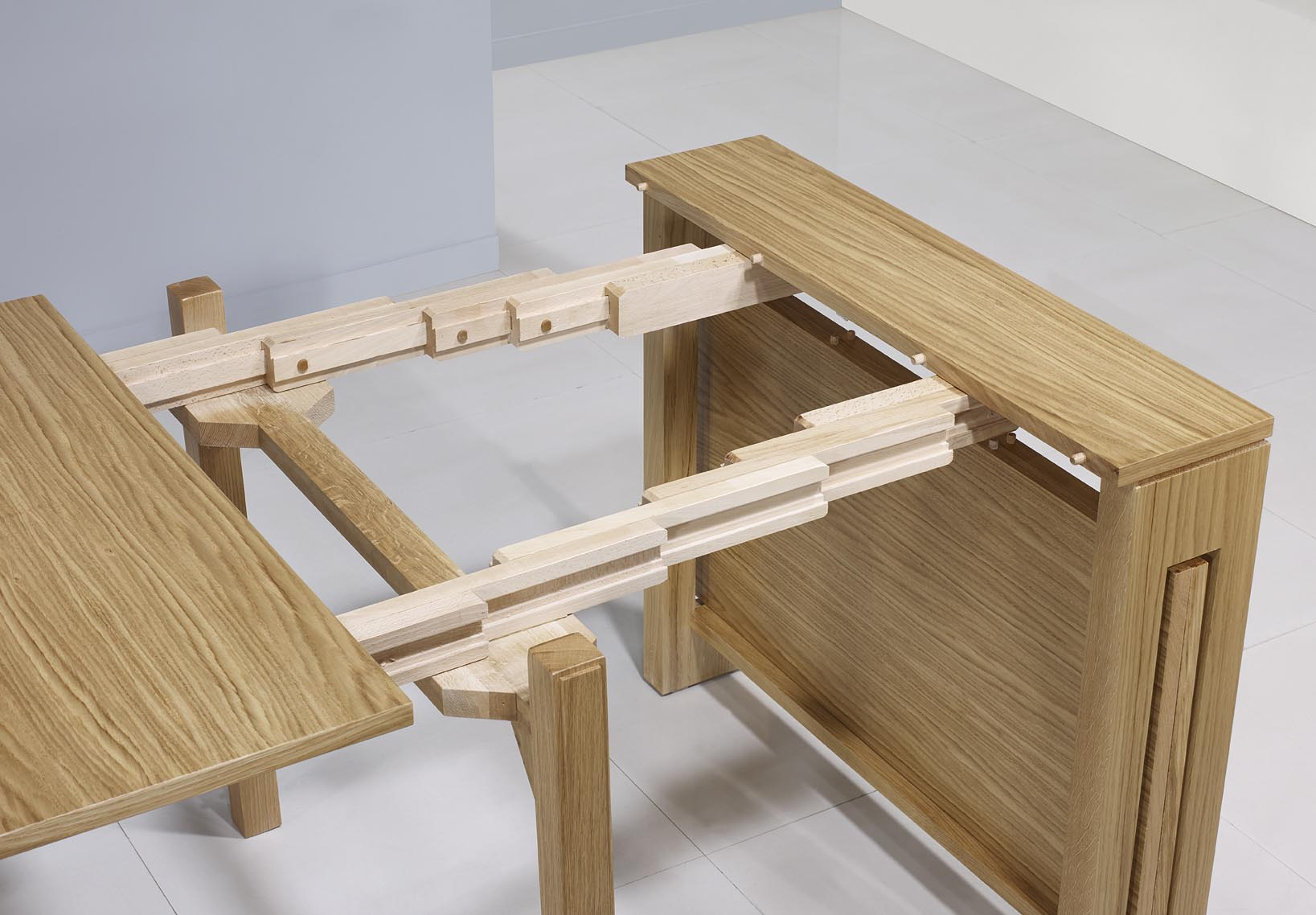 Console extensible en ch ne de ligne contemporaine 3 for Table extensible en bois massif