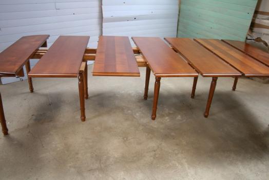 Table ovale volets 135x110 en merisier massif de style - Table rallonge 20 personnes ...