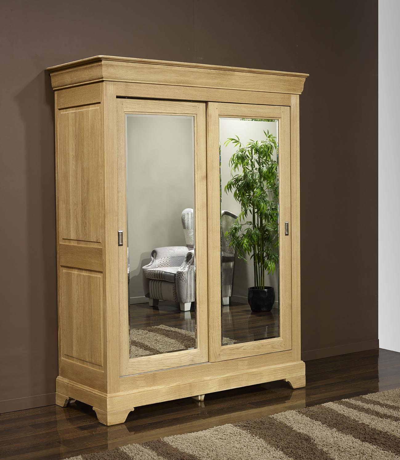 armoire en bois massif portes coulissantes. Black Bedroom Furniture Sets. Home Design Ideas