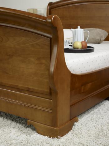 lit en merisier massif de style louis philippe pour literie de 160x200 meuble en merisier massif. Black Bedroom Furniture Sets. Home Design Ideas