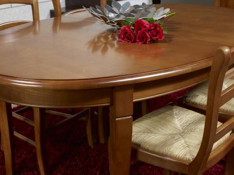 table ovale de salle manger estelle en merisier massif de style louis philippe 170 110 2. Black Bedroom Furniture Sets. Home Design Ideas