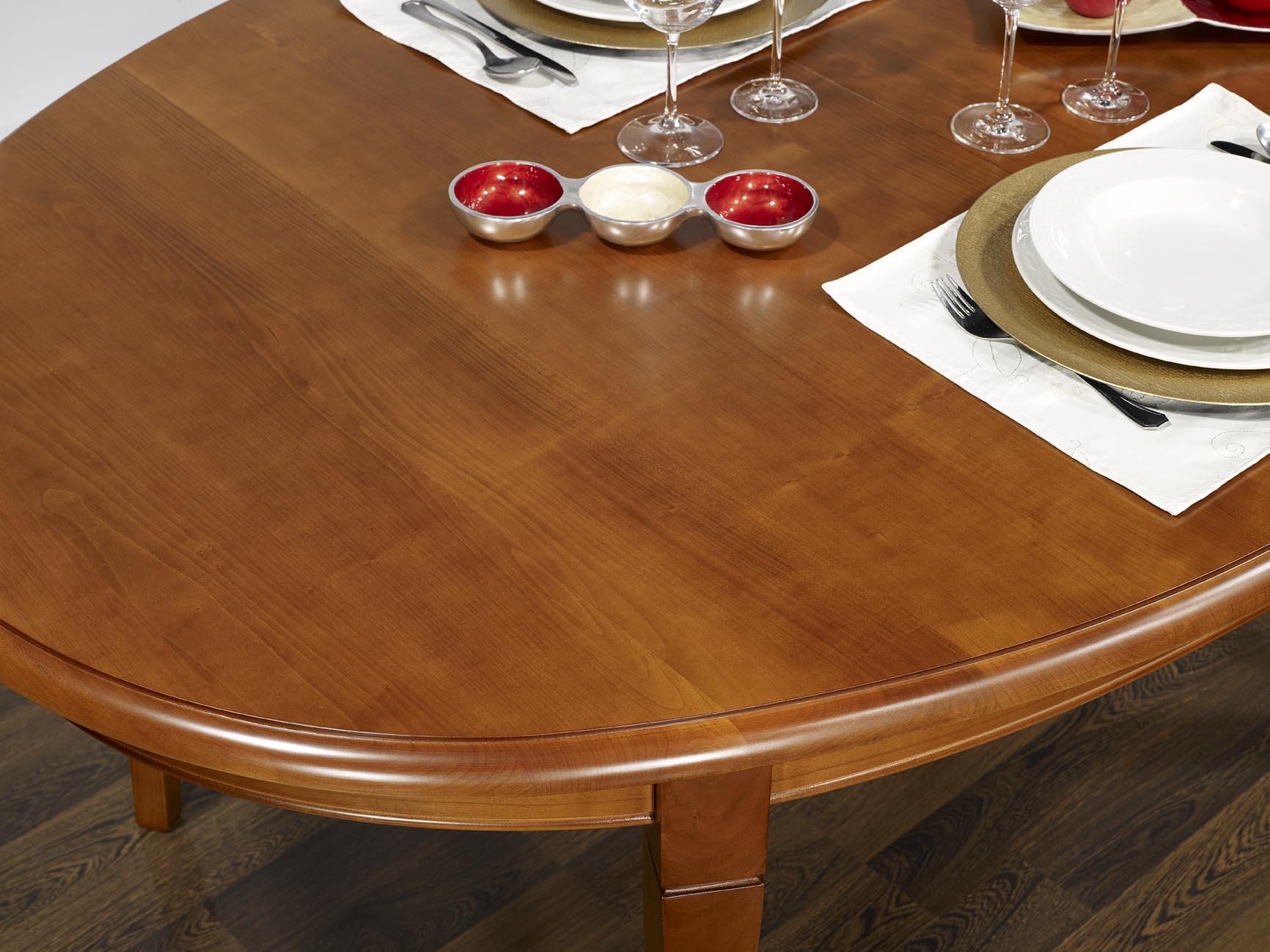 Table ovale de salle manger estelle en merisier massif for Table salle a manger noyer massif