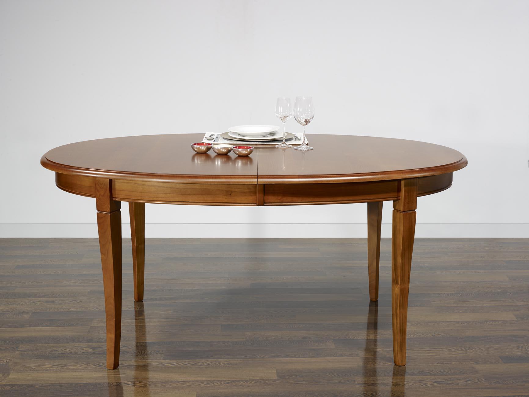 Table ovale de salle manger estelle en merisier massif for Table ovale en bois massif