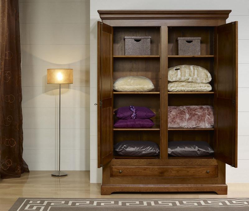 armoire 2 portes en ch ne massif de style louis philippe campagnard meuble en ch ne massif. Black Bedroom Furniture Sets. Home Design Ideas