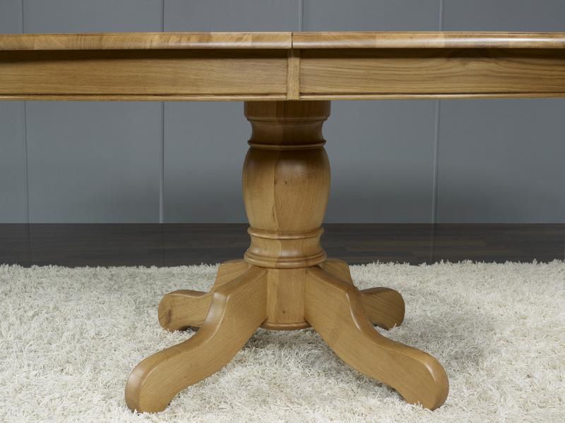Table ovale pied central en ch ne massif de style louis for Table ronde bois massif pied central
